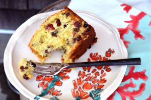 blog raisin cake slice