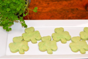 blog shamrock cookie 2