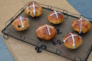 blog hot cross buns 1